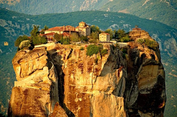 Sarbatoreste Pastele cu un pelerinaj in Grecia