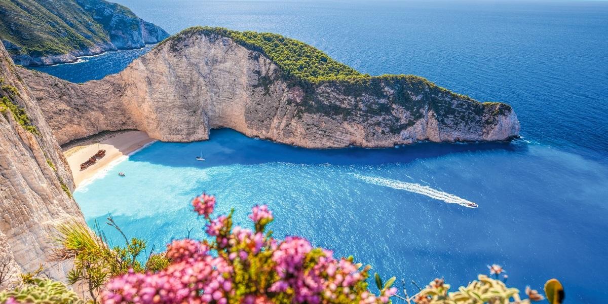 Ce poti vedea intr-un circuit de Paste si 1 mai in Grecia