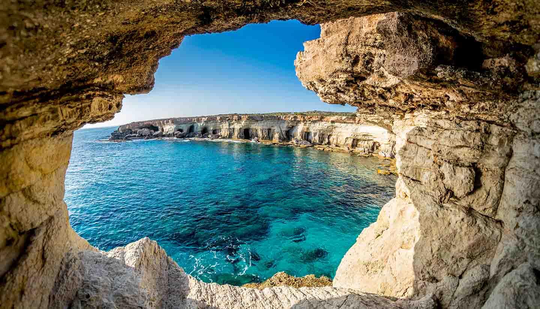 Pregateste-ti bagajele pentru o vacanta de Paste in Cipru
